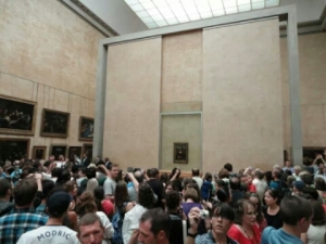 The battle for the Mona Lisa! Photo by Steve Collier.